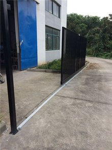 Custome Outdoor Residential Ornamental Metal Double Driveway Entrance Fence Gates